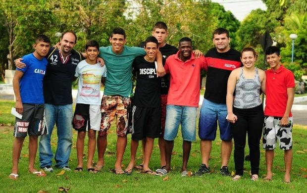 Seleção brasileira de luta olímpica juvenil (Foto: Michael Dantas/Sejel)