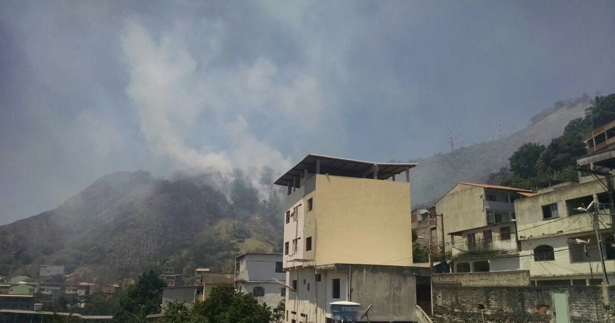 Incêndio consome parte de mata no Morro da Fonte Grande, em ... - Globo.com
