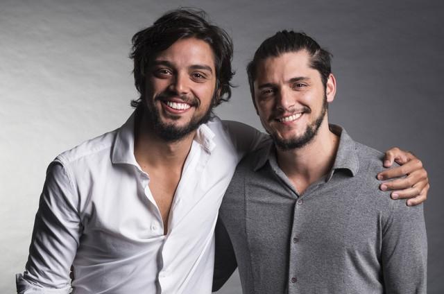 Rodrigo Simas e Bruno Gissoni (Foto: Cesar Alves/ TV Globo)