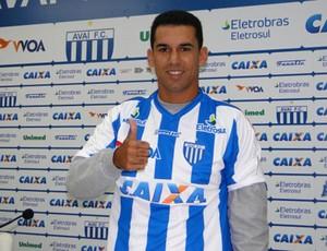 Wagner Diniz, apresentado no Avaí (Foto: Alceu Atherino, divulgação / Avaí FC)