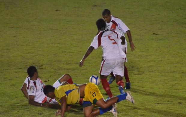 Jogo no Franção foi 'pegado', mas não teve vencedores (Foto: Thiago Barbosa/GLOBOESPORTE.COM)