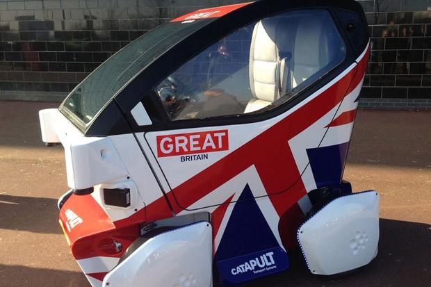 Cidades britânicas liberam testes de carros que dispensam motoristas