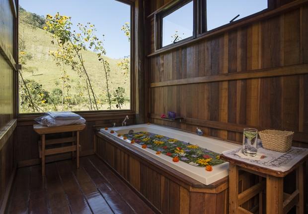 Espaço de massagem e banhos Bruxinhas do Mato (Foto: Filipe Redondo / Época SP)