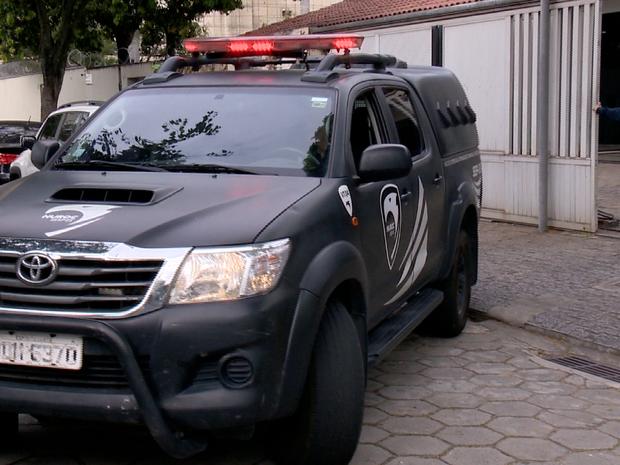 Material apreendido foi levado para o Nuroc, no Espírito Santo (Foto: Reprodução/ TV Gazeta)