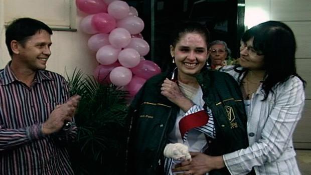 Cristina Peiter recebeu alta na quarta-feira (Foto: Reprodução/RBS TV)