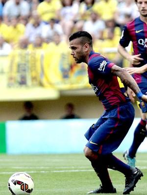 Daniel Alves jogo Barcelona contra Villarreal (Foto: EFE)