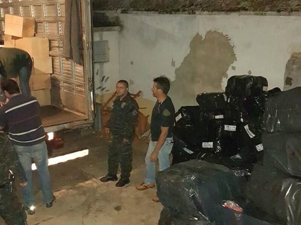 361763bf3 G1 - Caminhões com produtos falsificados são apreendidos em Ribeirão ...