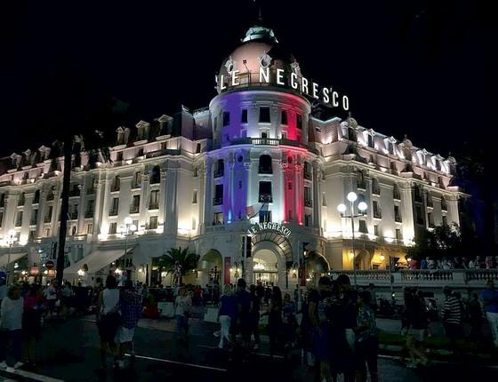 Fachada do hotel Le Negresco (Foto:  Ana Carolina Figueiredo Pereira)