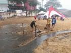 Torneio é cancelado após água suja de manilha invadir praia, no ES