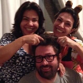 Mauricio Spada com as irmãs Mônica e Magali (Foto: Reprodução / Instagram)