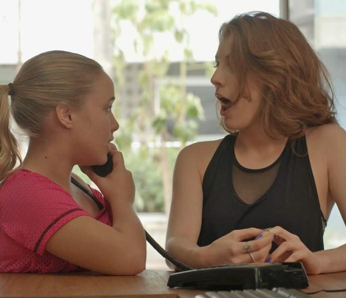 Martinha sugere vingança contra Jabá e Juliana embarca na ideia (Foto: TV Globo)