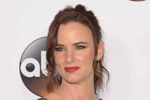 Juliette Lewis, além de já ter participado de mais de quarenta longa metragens, é cantora e líder do grupo 'Juliette and the Licks' (Foto: Getty Images)