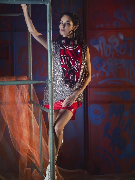 Pense fora do garrafão, da NBA, tem a participação da apresentadora e DJ Diana Bouth (Foto: Divulgação)