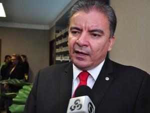 Brito Bezerra sugeriu ao governo programa de parcelamento (Foto: Assessoria/Hisraufre Emiliano)