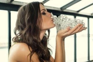 Miss Brasil 2014, Melissa Gurgel, com sua coroa (Foto: Arquivo Pessoal)