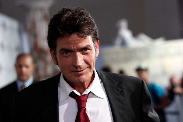 O ator Charlie Sheen revelou ter sido diagnosticado com HIV (Foto: Getty Images)