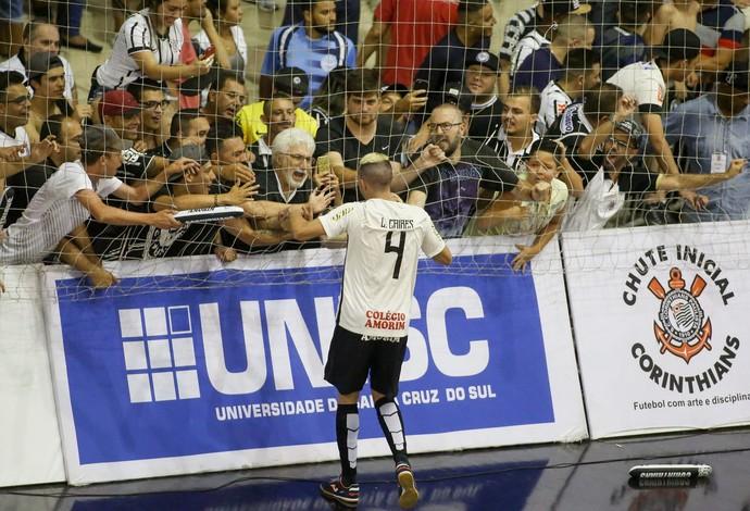 Torcida do Corinthians esgota todos os ingressos do 2º jogo da final da LNF 26537fc463c05