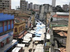 Rua João Alfredo tomada de ambulantes.  (Foto: Neldson Neves/O Liberal)