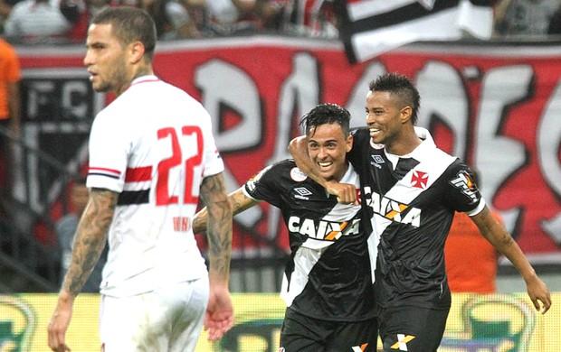Comemoração do Vasco contra o São Paulo (Foto: Marcelo Sadio / Vasco.com.br)