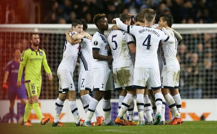 Tottenham x Anderlecht Liga Europa (Foto: Reuters)