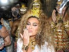 Juliana Paes reza e brilha em desfile da Viradouro na Marques de Sapucaí