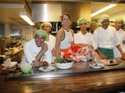 8 famosos que são donos de restaurantes no Brasil