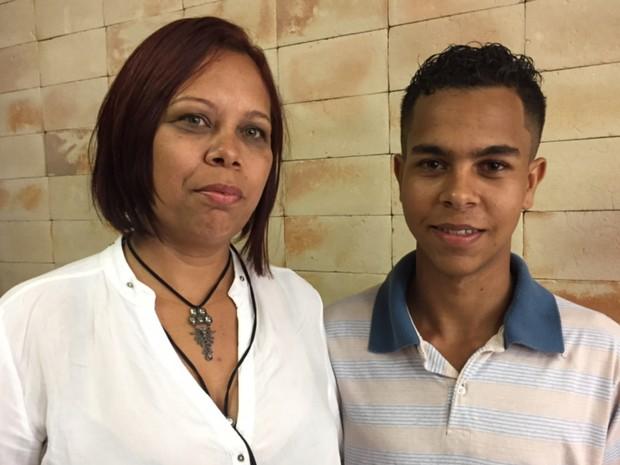 Mãe de Pablo de Paula se orgulha da atitude do filho, em Goiânia, Goiás (Foto: Murillo Velasco/G1)