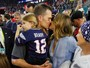 Gisele Bündchen vibra com vitória do time de Tom Brady no Super Bowl