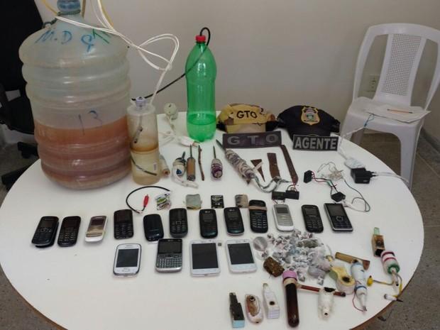 'Alambique artesanal' foi encontrado durante uma revista de rotina (Foto: Divulgação/Sejuc)