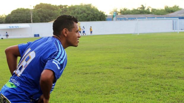 Júnior Mineiro, atacante do Parnahyba (Foto: Josiel Martins)