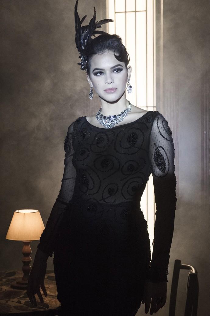 Ousadia é marca dos looks de Beatriz (Foto: Globo/Estevam Avellar)