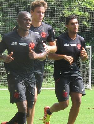 Amaral puxa fila no treino do Flamengo (Foto: Janir Junior / Globoesporte.com)