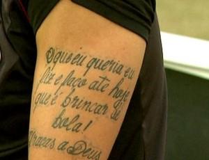 Luan tatuagem (Foto: Carlos Velardi/EPTV)