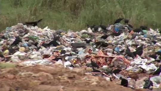 Atraso nas obras de aterro sanitário público preocupa em Três Rios, RJ