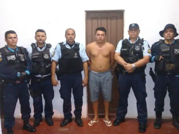 Homem preso é suspeito de estuprar alemã em dezembro de 2015 na praia de Jericoacoara, no litoral cearense (Foto: PM/Divulgação)