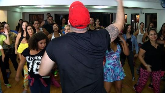 'Plugue' promete colocar todo mundo para dançar
