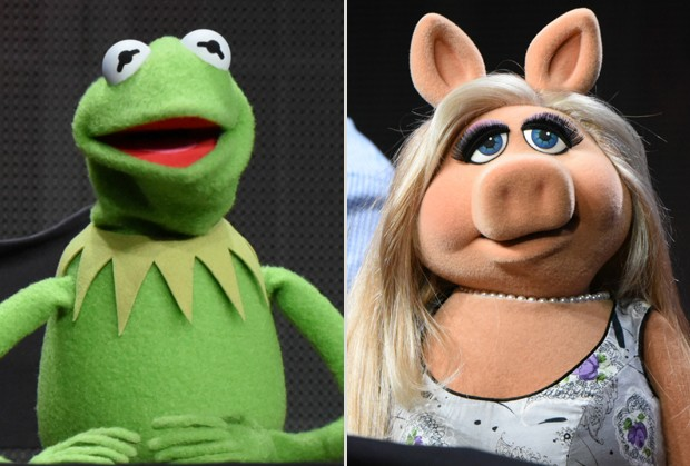 Kermit e Piggy, personagens dos Muppets, anunciam 'separação' em entrevista coletiva nos EUA (Foto: Richard Shotwell/Invision/AP)