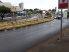 Trânsito na Prainha piora com blocos de concreto de obra parada do VLT
