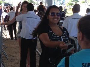Veja quem foi a 1ª pessoa a entrar no parque do Planeta Atlântida SC (Foto: Mariana Faria/G1)
