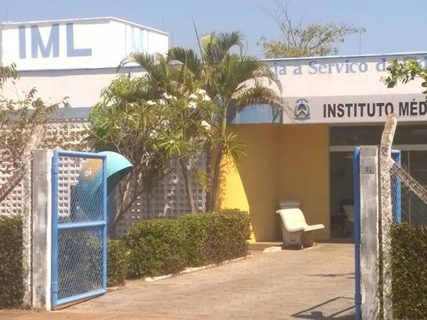 Jovem realizou exames no IML de Palmas (Foto: Otoniel Silva/TV Anhanguera)