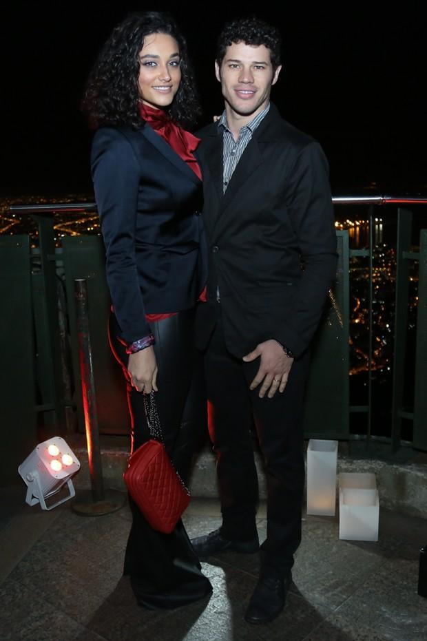 Debora Nascimento e José Loreto (Foto: Roberto Filho / Brazil News)