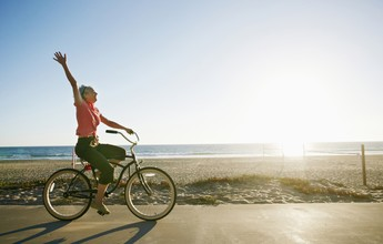 Exercício moderado três vezes por semana é a receita ideal após os 60