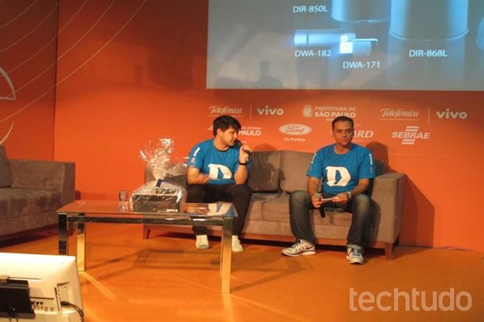 Renan (à esq.) e o moderador do painel Rodrigo Paiva, gerente de Produtos da D-Link (Foto: Laura Martins/ TechTudo)