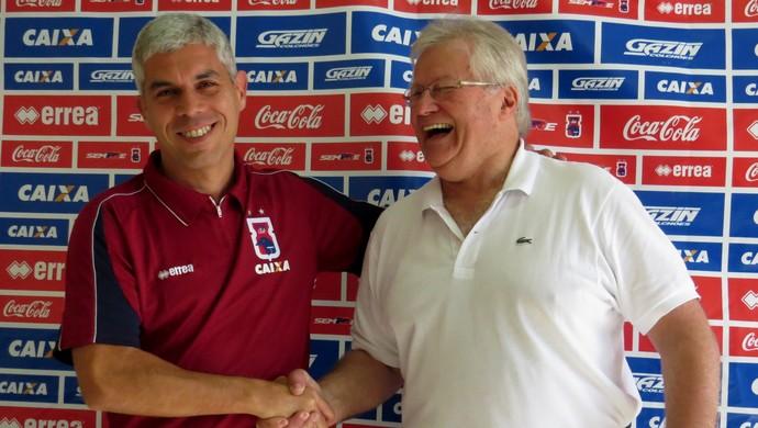 Técnico Ricardinho e presidente Rubens Bohlen do Paraná Clube (Foto: Fernando Freire)