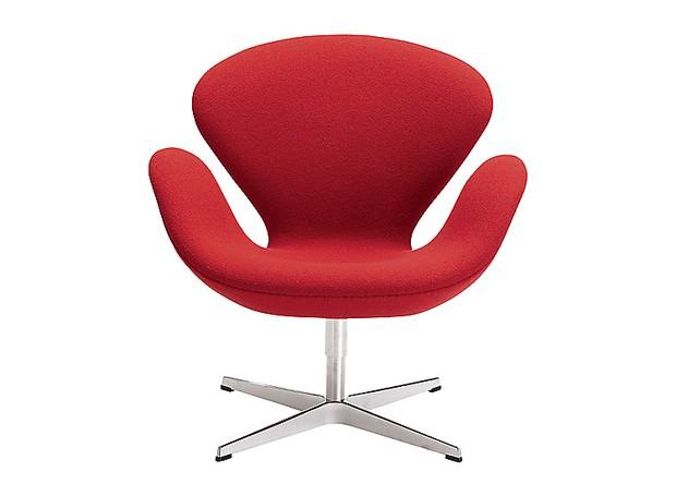 cadeira-swan-do-designer-arne-jacobsen-para-fritz-hansen-design-dinamarques.jpg (Foto: Divulgação)
