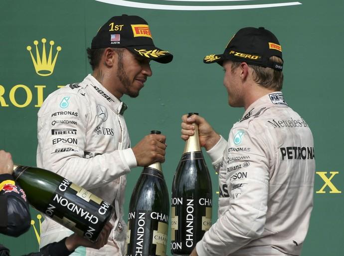 Lewis Hamilton e Nico Rosberg fazem dobradinha da Mercedes no GP dos EUA (Foto: Reuters)