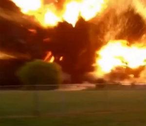 Vídeo registra o momento exato da explosão de uma fábrica de fertilizantes no Texas (Foto: Reprodução)
