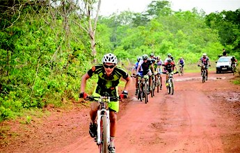 Ciclistas se aventuram nos 70 km do 1º Desafio Miracema de Mountain Bike