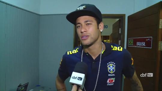 """Neymar cita orgulho de Miranda por lançamento: """"Falou que foi assistência"""""""