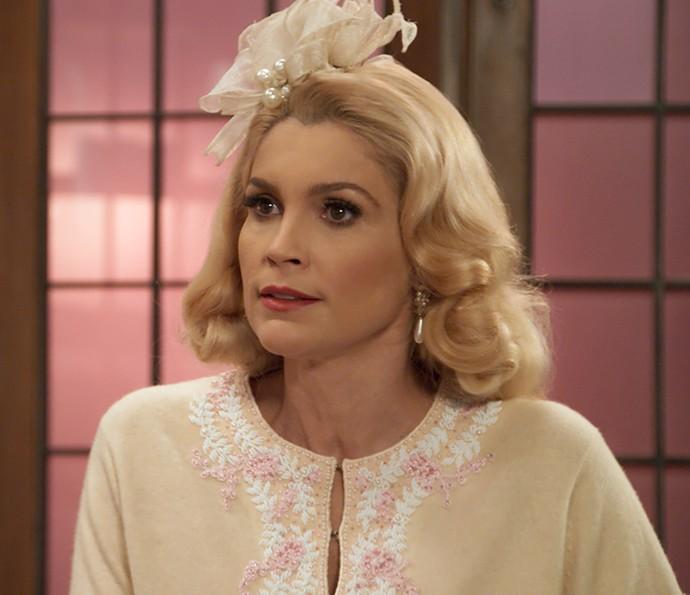 Sandra quer que Araújo faça outra retirada da fábrica de sabonetes (Foto: TV Globo)